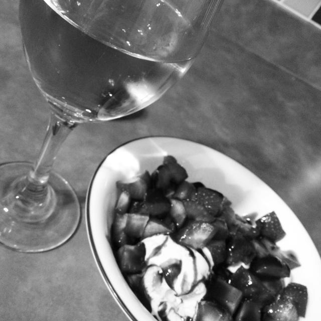 Champagne & sundae