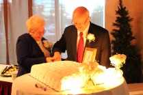 Pop Pop wedding cake cut